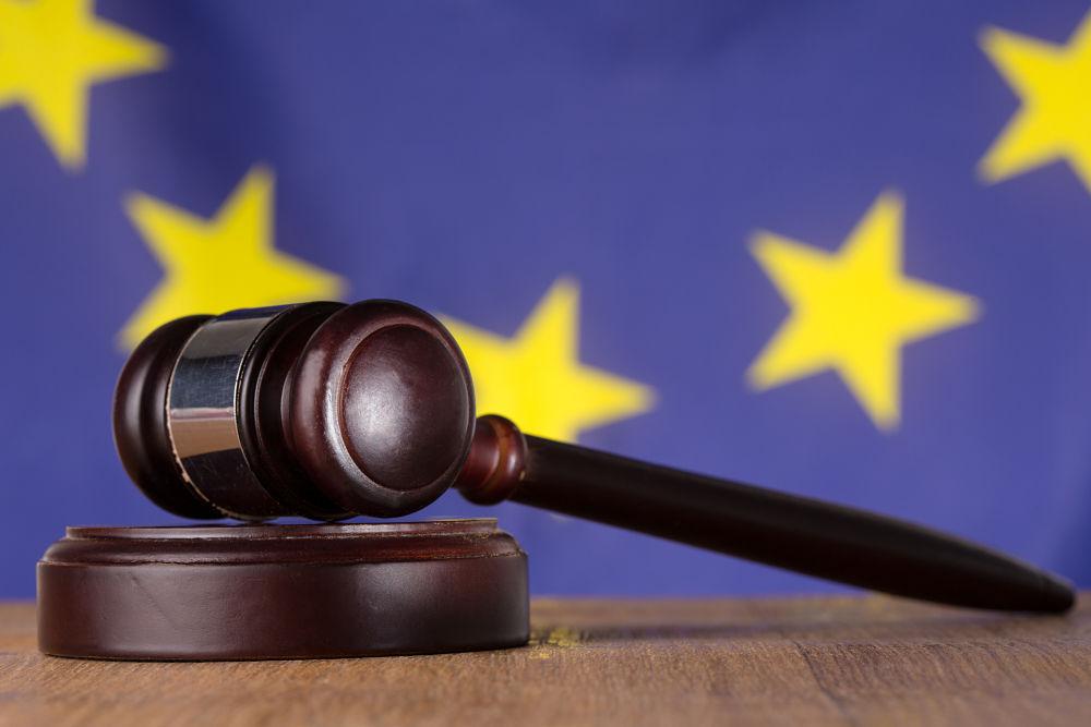 derecho a indemnización interinos