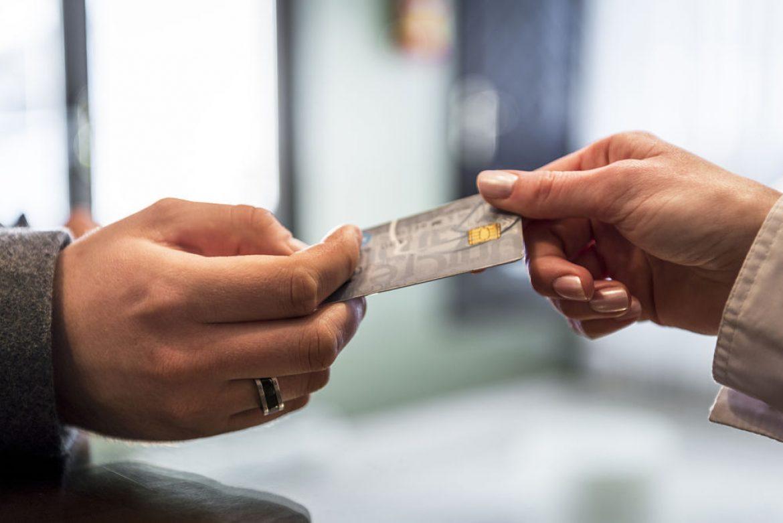 El interés de una tarjeta revolving al 27% es usurario