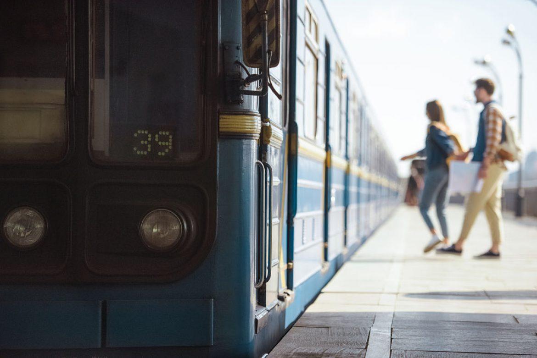 Viajar en tren sin billete también tiene condición de pasajero