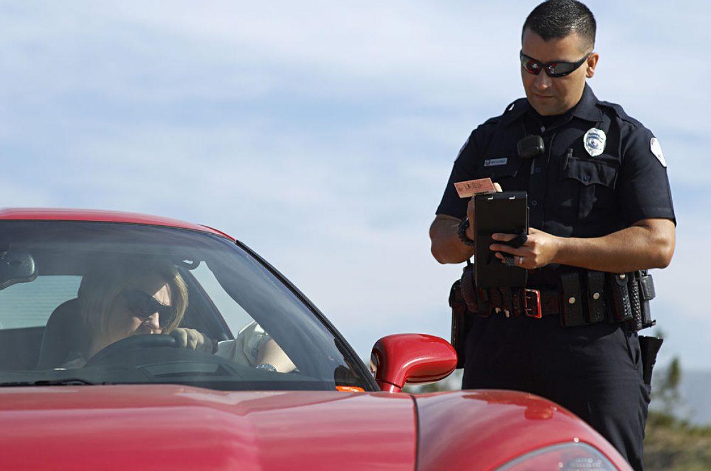 Es ilegal sancionar al propietario de un vehículo si no se sabe quien conduce
