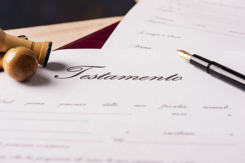 El cónyuge divorciado deja de ser heredero en el testamento